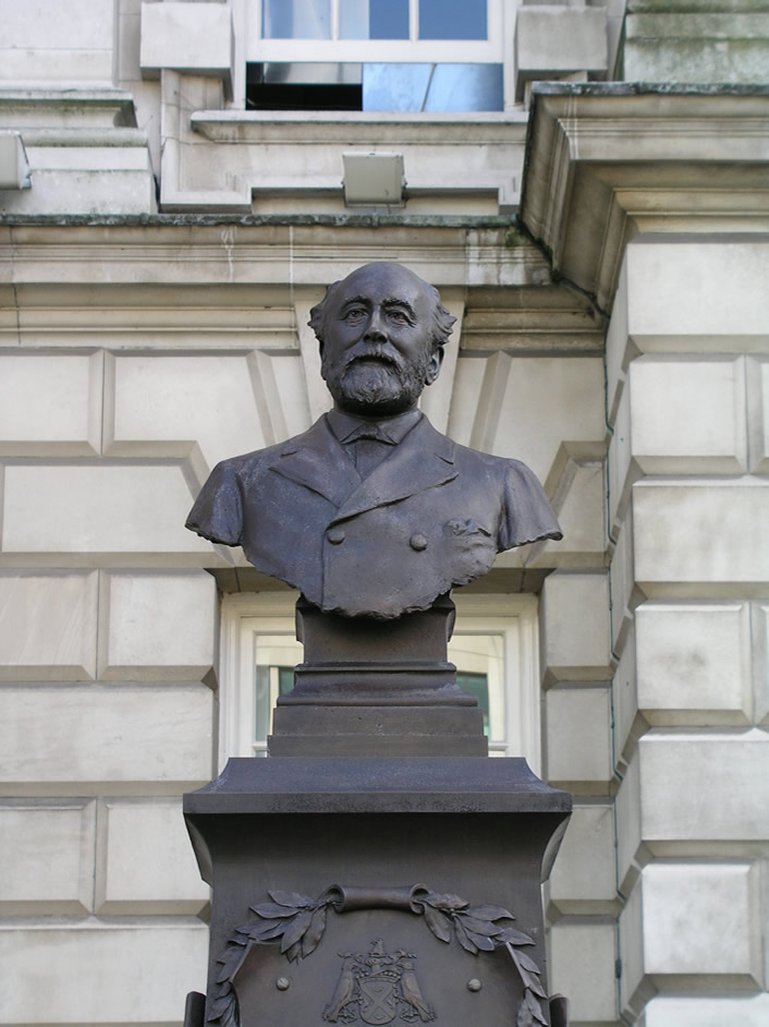 Statue of Lord Pirrie