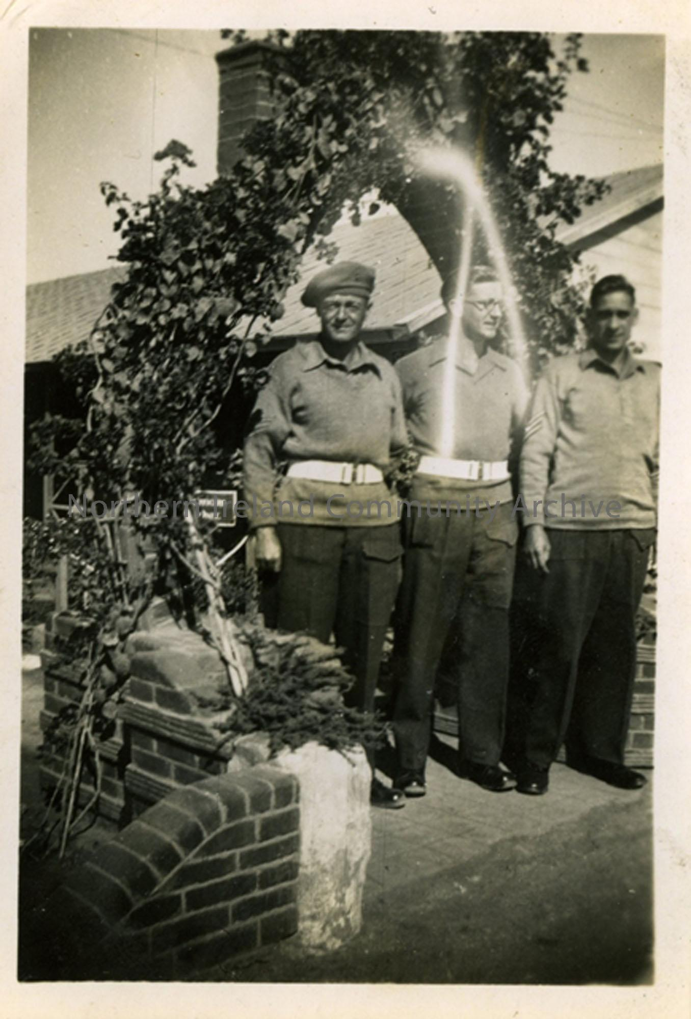 Photo of 3 soldiers