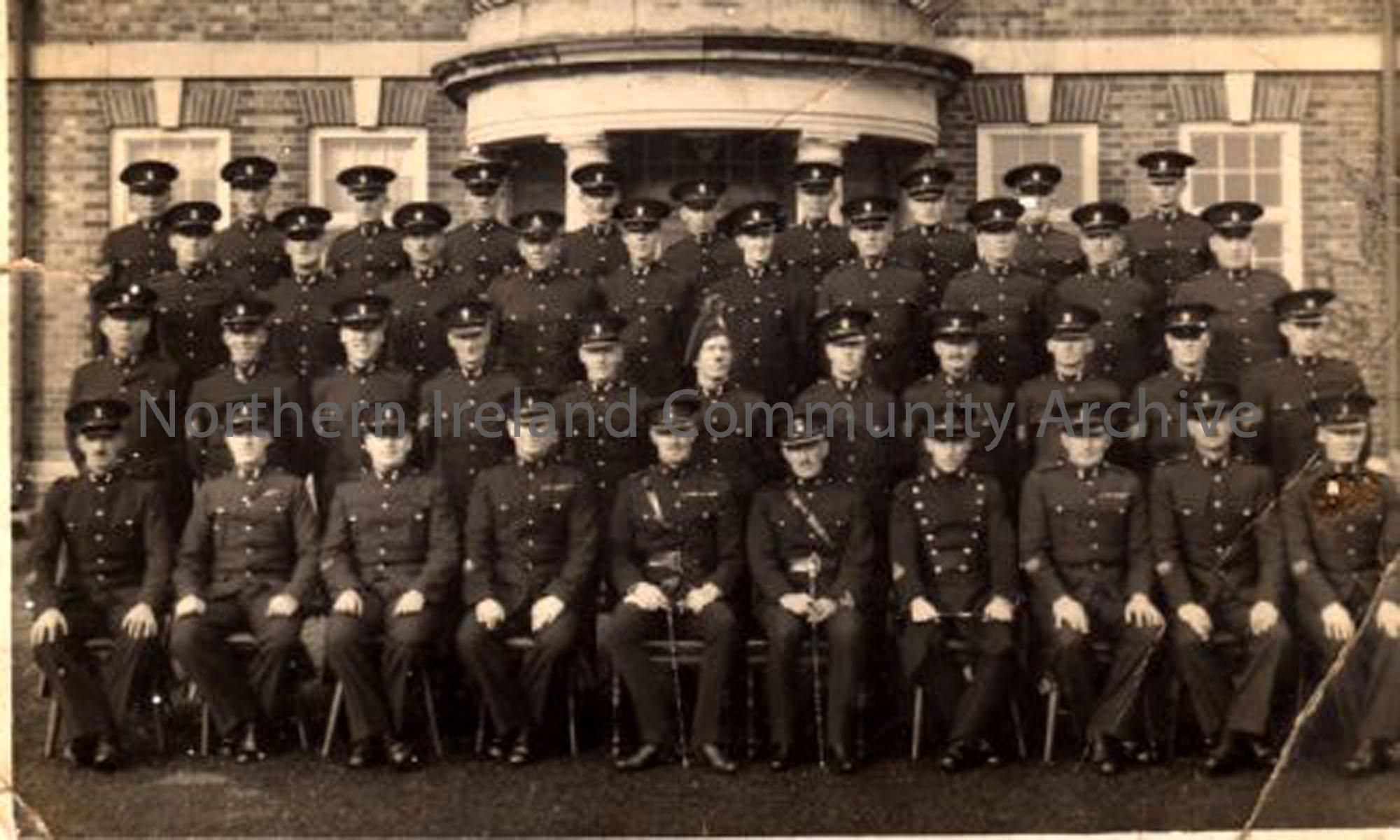 Innniskillen Fusiliers, with Captain Allen from Lisconnan House in the front row (3715)