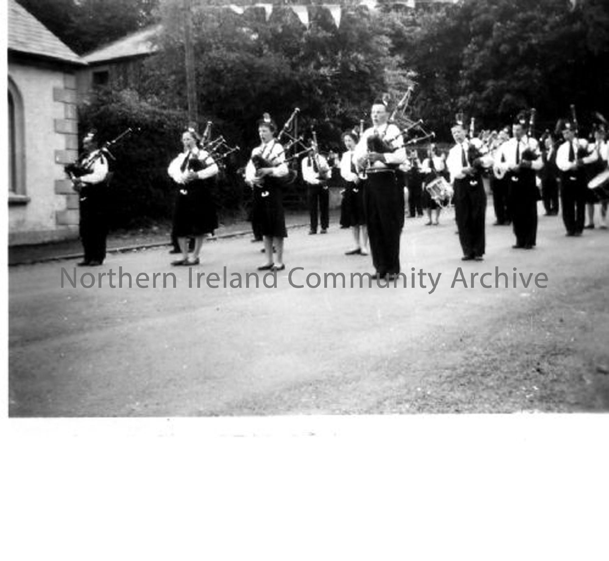 Dervock Pipe Band (5805)