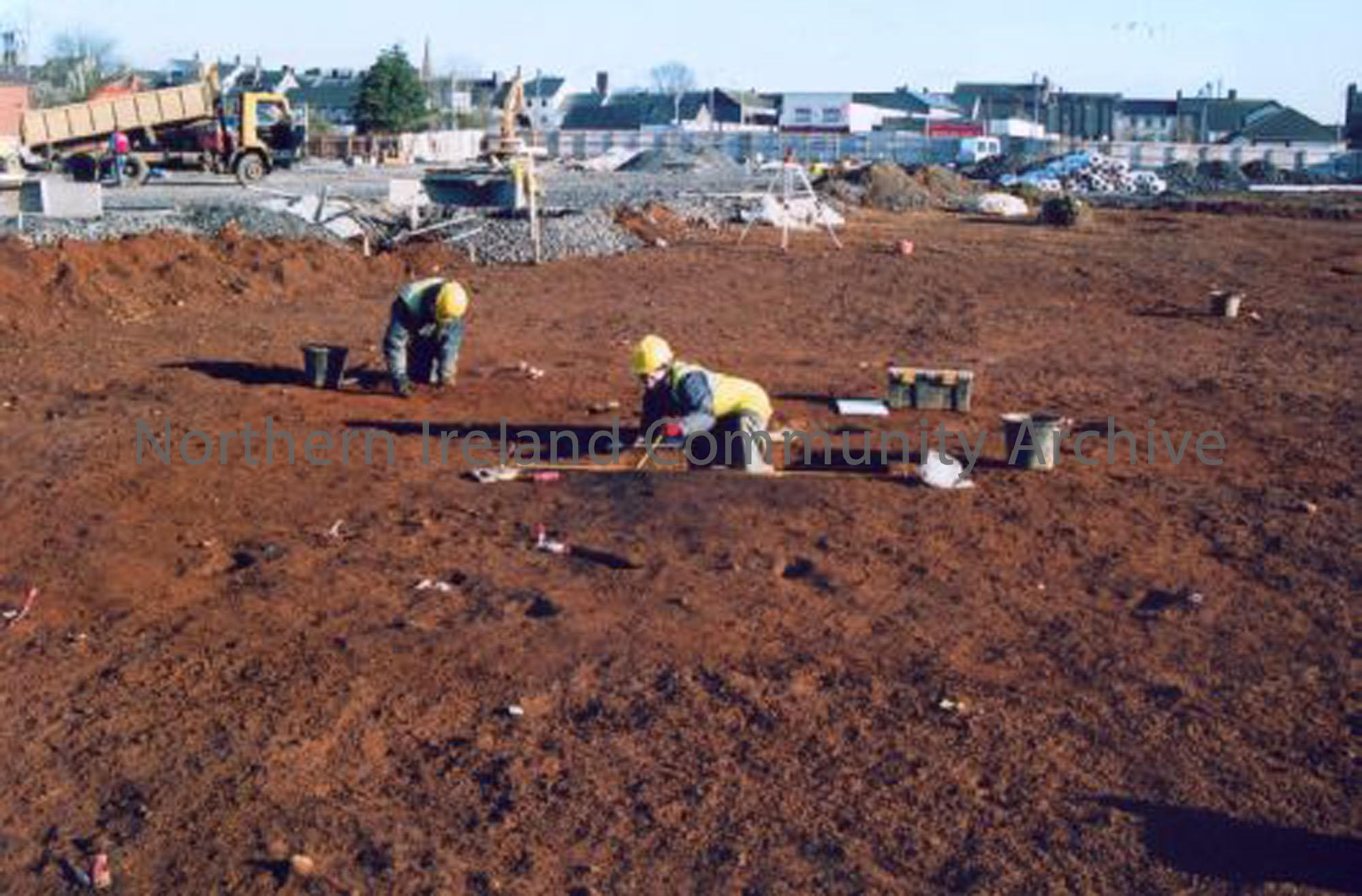 ADS archaeologists excavating the Neolithic settlement on the site of Tesco's Ballymoney (4756)